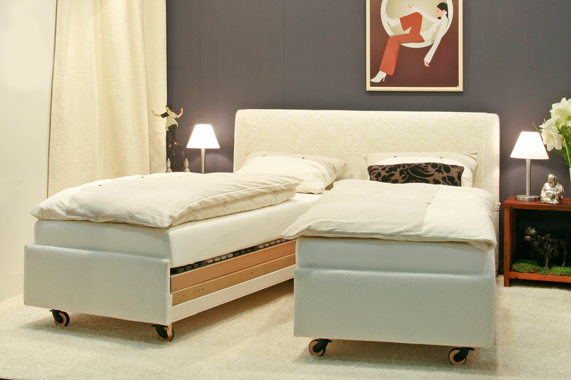 wohnform werkst tten bettgestelle und schlafsofas betten kramer. Black Bedroom Furniture Sets. Home Design Ideas
